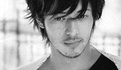 Joe_Odagiri_15037.jpg (300×176)