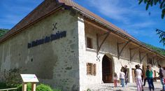 La Maison du Salève, à découvrir avec les Guides du Patrimoine des Pays de Savoie http://www.gpps.fr/Guides-du-Patrimoine-des-Pays-de-Savoie/Pages/Site/Visites-en-Savoie-Mont-Blanc/Genevois/Albanais-Massif-des-Bauges-Saleve-et-Pays-de-Filliere/Maison-du-Saleve