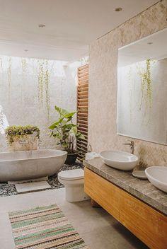 A Modern Balinese Holiday Villa in Canggu Balinese Bathroom, Modern Bathroom, Small Bathroom, Master Bathroom, Balinese Villa, Balinese Decor, Tropical Bathroom, Outdoor Bathrooms, Dream Bathrooms