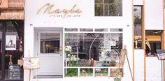 Maybe Flower & Cafe, Sukhumvit, Bangkok Cafe Restaurant, Restaurant Design, Facade Design, Exterior Design, Bar Pop Up, Korean Cafe, Flower Cafe, Coffee Restaurants, Shop Facade