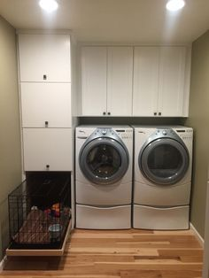 Laundry room with three slide out laundry basket drawers and built in slide out dog kennel. Diy Kitchen Flooring, Kitchen Sink Diy, Dog Crate Furniture, Diy Furniture Redo, Living With Dogs, Basket Drawers, Diy Dog Kennel, Dog Area, Dog Rooms