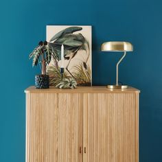 KEK Amsterdam Heron in gras Print op hout S Industrial House, Floating Nightstand, Interior Design Living Room, Living Spaces, Sweet Home, New Homes, House Styles, Inspiration, Furniture