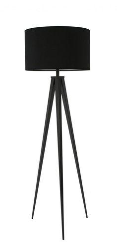 Met veel klasse en stijl zal de Tripod (driepoot) vloerlamp van Zuiver zijn licht schijnen in uw interieur. Deze moderne, volledig zwarte uitvoering van de Tripod lamp past in vele interieurs. Door de grote kap ontstaat een mooie lichtval. . Kap: Ø 50x h30 Lichtbron: E27, Max 75 watt. In onze webshop ook verkrijgbaar in volledig wit, zwart/hout en wit/hout
