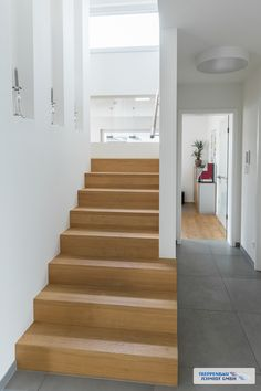 Stufen auf Beton oder als aufgesattelte Treppe You are in the right place about white Stairs Here we offer you the most beautiful pictures about the Stairs plan you are looking for.