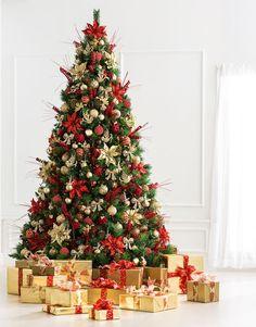 Red And Gold Christmas Tree, Christmas Tree Inspiration, Traditional Christmas Tree, Gold Christmas Decorations, Colorful Christmas Tree, Diy Christmas Tree, Beautiful Christmas, Christmas Tree Themes Colors Red, Felt Christmas