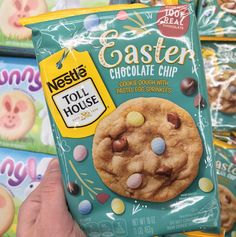 Who knew cookies could be so cute? Can Easter hurry up and get here so I can make them already? Just kidding…making them like now. They feature pastel egg sprinkles and chocolate chips. Found at Walmart. Nestle Chocolate, Chocolate Cookie Dough, Easter Chocolate, Chocolate Chips, Beef Soup Recipes, New Recipes, Snack Recipes, Holiday Snacks, Holiday Recipes