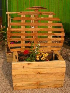 Bac a fleurs en bois avec structure pour plantes - Construction jardiniere palette ...
