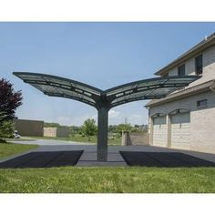 The Palram Arizona Wave Duoble Carport has frame and roof that are maintenance free and are able to withstand any harmful weather element. Alu Carport, Double Carport, Garage Double, Pergola Diy, Pergola Plans, Pergola Ideas, Carport Designs, Pergola Designs, Style Toscan