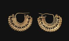 """gemma-antiqua: """"Nabataean gold earrings, dated to the to centuries CE. Source: Christie's. Viking Jewelry, Ancient Jewelry, Tribal Jewelry, Antique Jewelry, Gold Jewelry, Jewelry Box, Jewelry Accessories, Vintage Jewelry, Jewelry Design"""