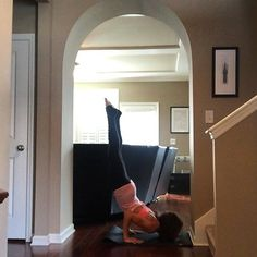 Day 27 #flexystretchyyogis is #chinstand and this was my first time ever to try this pose! Honestly it scares the bejeezus out of me which is why I've never tried it. The wall was super helpful for me and it wasn't so bad after all! #practiceandalliscoming  Hosts and sponsors: @auri_yoga @sigikolbe @kiarascurasl @fit_yoga_girl @karmamantra @limitlesswheel @bunniesandzen @infinitystrap @lovekikikins @abombapparel @iamu_collective @confusedgirlla @virasun @thepaprikashop @affirmats…