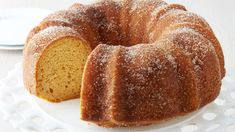 Crème-Filled Golden Bundt Cake - This golden bundt cake hides a surprise marshmallow crème filling that will remind you of your favorite snack cake. It's made easy with Betty Crocker™ yellow cake mix, and extra moist with pudding mix added to the batter. Best Apple Desserts, Apple Recipes, Summer Desserts, Cupcakes, Cupcake Cakes, Bundt Cakes, Cake Mix Recipes, Dessert Recipes, Cobbler