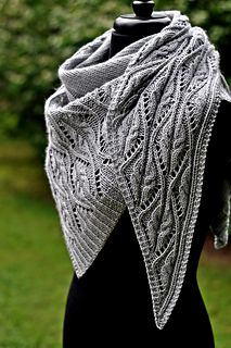 Crochet Patterns Poncho Ravelry: Tendrilly pattern by Dee O'Keefe Knitted Shawls, Crochet Shawl, Crochet Lace, Lace Shawls, Knit Blankets, Crochet Granny, Hand Crochet, Shawl Patterns, Knitting Patterns Free