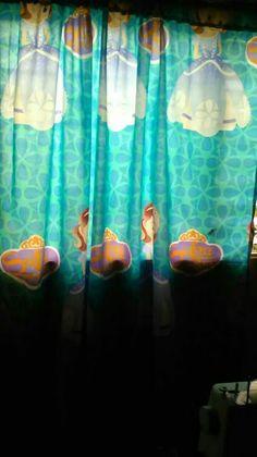 Martha carolina silva confecciono cortina de princesa sofia