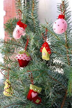 felt ornaments - great memories:)