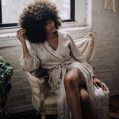 - April Kae • Imanigold (@loveimanigold) Afro hair. Natural hair. Kinky curly hair. Curly fro. Curly girl. Curly texture. Afro. Afro textures. Kinky hair. Big hair. Thick natural hair. Beautiful hair.
