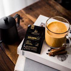 Inspirada na medicina milenar ayurvédica, Golden Lift é uma bebida saborosa e nutritiva que une a melhor seleção de especiarias, como a cúrcuma, açafrão, pimenta preta e vermelha, canela, gengibre e cardamomo, à cremosidade e sabor do leite de coco. Com ingredientes naturais, ele reforça a importância do equilíbrio entre corpo e mente. Já experimentou? Conta pra gente nos comentários o que achou! 💛 #EssentialNutrition #goldenmilk #goldenlift Curry, Golden Life, Coco, Coffee Maker, Kitchen Appliances, Milk, 1, Symptoms Of Stress, Nutritional Supplements