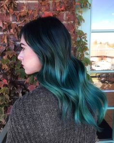 "From now on you can involve blue ombre hair colors into your ""must try"" list. Blue ombre hair colors have taken the world by storm. This shade comes in nume Turquoise Hair Ombre, Brown Ombre Hair, Purple Ombre, Ombre Hair Color, Hair Color For Black Hair, Blue Hair, Teal Blue, Funky Hair, Violet Hair"