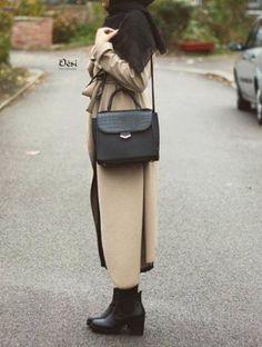 chic coat hijab style, Hijab chic from the street… Hijab Chic, Hijab Casual, Women's Casual, Street Hijab Fashion, Abaya Fashion, Islamic Fashion, Muslim Fashion, Hijab Mode Inspiration, Modesty Fashion
