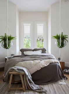 9 Ways To Incorporate Dutch Style Into Your Home: Simple Linen Bedding