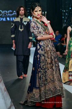 Beautiful dresss nd styleeee hsy...