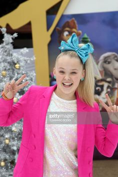 JoJo Siwa attends the premiere of SONY Pictures Animation's 'The Star' in Los Angeles, California, on November 12, 2017. /