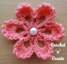 Small Flower Applique Free Crochet Pattern - Crochet 'n' Create Crochet Small Flower, Crochet Flower Tutorial, Knitted Flowers, Crochet Flower Patterns, Flower Applique, Crochet Motif, Fabric Flowers, Crochet Leaves, Crochet Borders