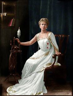 Marie, Queen of Romania, 1902 by Henry Walter ('H. Walter') Barnett, whole-plate glass negative, 1902 Romanian Royal Family, Romanian Girls, Romanian Flag, Reine Victoria, Queen Victoria, Spanish Dress, Second Empire, Royal House, Royal Jewels