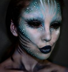 add hook in cheek. Are you looking for scary horrifying Halloween makeup ideas for women to look the best at the Halloween party? See our photo collage to pick the one that fits the Halloween costume. Makeup Fx, Cosplay Makeup, Fish Makeup, Scary Makeup, Makeup Eyes, Scary Mermaid, Siren Costume, Evil Mermaids, Mermaid Parade
