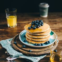 Two ingredient banana and egg pancake recipe Dairy Free Keto Pancakes, No Egg Pancakes, Banana Pancakes, Pastry Basket, Banana And Egg, Dairy Free Breakfasts, How To Eat Less, Dairy Free Recipes, Gluten Free