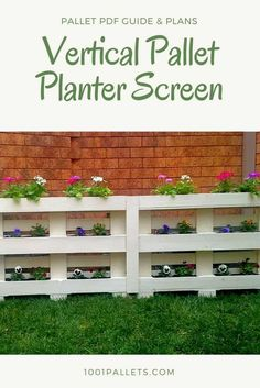 I made this Pallet Planter Screen because we were getting ready to sell our house. I wanted to hide the ugly air conditioning unit and a gas outlet. They are right in the front yard, so they are a bit of an eyesore to potential buyers as they walk through the front gate.