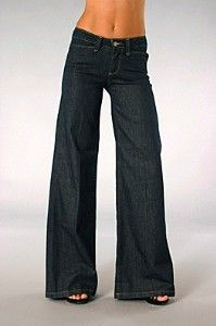 Wide leg pants! A must have in every females wardrobe!