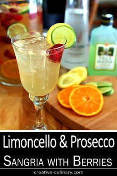 This Vodka, Limoncello and Prosecco Sangria with Raspberries is light, cold and so refreshing; pretty much the perfect summer sangria! Prosecco Sparkling Wine, Red Wine Sangria, Sangria Cocktail, Summer Sangria, Peach Sangria, Wine Cocktails, Summer Cocktails, Fun Drinks, Alcoholic Drinks