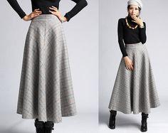Plaid Wool skirt winter maxi skirt via Etsy Winter Rock, Winter Chic, Plaid Wool Skirt, Wool Skirts, Maxi Skirts, Modest Fashion, Skirt Fashion, Diy Circle Skirt, Winter Maxi