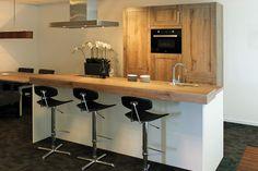 Keuken met kookeiland. Old Wood-beleving.   DB Keukens