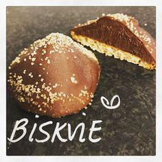 """162 gilla-markeringar, 2 kommentarer - Evelinas kök (@evelinaskok) på Instagram: """"Bageriet laddar med godsaker och massor av bröd/frallor vilar inför morgondagen! I montern i morgon…"""""""