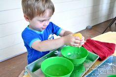 Montessori Preschool Activities - Water Transfer Trays – My Merry Messy Life Montessori Trays, Montessori Homeschool, Montessori Practical Life, Montessori Elementary, Montessori Classroom, Montessori Toddler, Montessori Materials, Montessori Activities, Preschool Activities