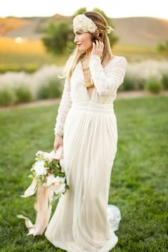 Vintage Glam Wedding Dress with Long Sleeves | Mike Larson Photography | http://heyweddinglady.com/vintage-winery-wedding-shoot-champagne-gold/