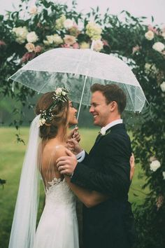 This affair is redefining rainy day wedding expectations   Photography by The Image Is Found