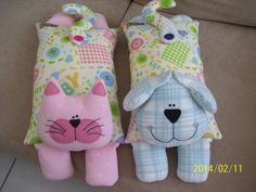 Sewing Toys These would made great hot water bottle covers or could have rice inside to microwave for moist heat. Sewing Toys, Sewing Crafts, Sewing Projects, Sewing Stuffed Animals, Stuffed Animal Patterns, Kids Pillows, Animal Pillows, Cat Crafts, Animal Crafts