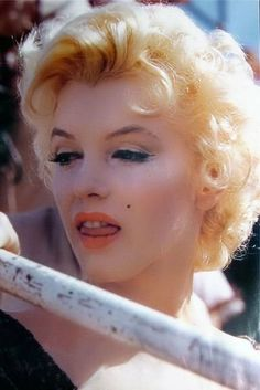 .mm Howard Hughes, Catherine Zeta Jones, Classic Beauty, Timeless Beauty, Marilyn Monroe Photos, Norma Jeane, Steve Mcqueen, Old Hollywood, Hollywood Stars