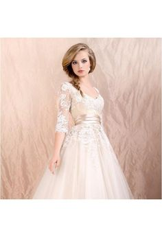 Hot Sale V-neck Champange White Tea Length Tulle Wedding Dresses With Half Sleeves