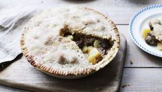 BBC - Food - Recipes : Meat and potato pie by Paul Hollywood Meat Recipes, Cooking Recipes, Savoury Recipes, Meatloaf Recipes, Potato Recipes, Braised Steak, Chicke Recipes, Beef Recepies, Recipies