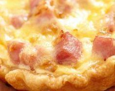Tarte au boursin light et jambon : http://www.fourchette-et-bikini.fr/recettes/recettes-minceur/tarte-au-boursin-light-et-jambon.html
