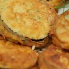 Receita de Berinjela Empanada - Lanchinho da Nona - 2 unidades de berinjela grandes, 300 gr de mussarela, 3 unidades de tomate, sal a gosto, 1 colher (sobre...