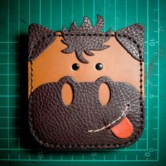 Leather Bag Tutorial, Leather Wallet Pattern, Handmade Leather Wallet, Leather Card Wallet, Leather Gifts, Leather Keychain, Coin Wallet, Animal Bag, Leather Art
