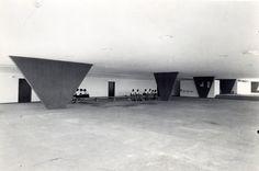 Vilanova Artigas - Ginásio de Itanhaém, São Paulo, Brasil (1959)
