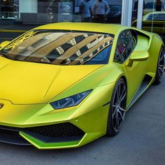Acid Green Huracan