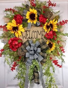 Pretty Summer Wreath Decor Ideas For Front Door 16 Wreath Crafts, Diy Wreath, Wreath Ideas, Fall Wreaths, Deco Mesh Wreaths, Couronne Diy, Fall Door Decorations, Sunflower Wreaths, Welcome Wreath