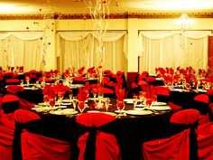 Decoración de boda en negro y rojo