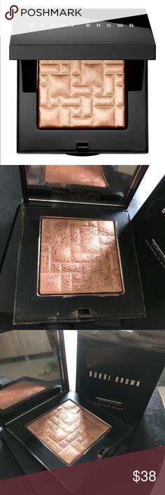 Bobbi Brown Bronze Glow Highlighter Bobbi Brown Bronze Glow Highlighter in box. Use is shown in pictures Makeup Luminizer